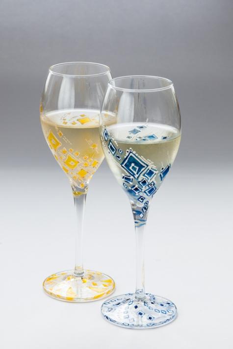 чаши с геометричен мотив