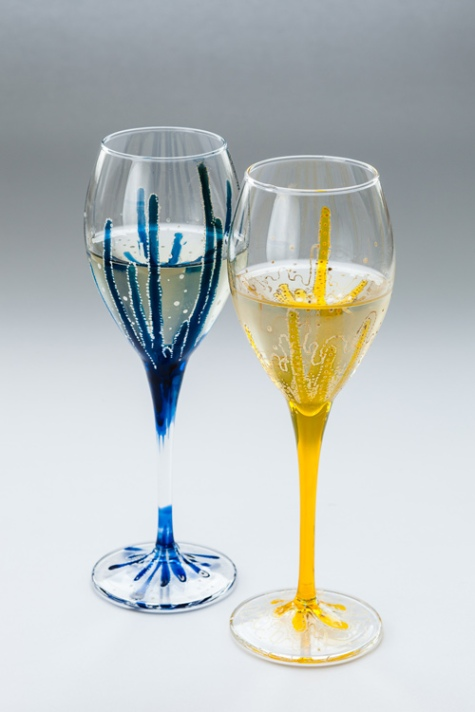 чаши с дълги капки
